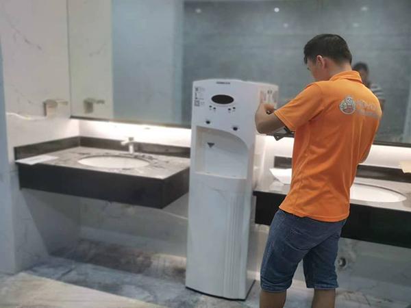 商用净水器安装图片